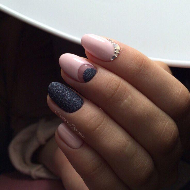 Кроткие ногти миндальной формы фото