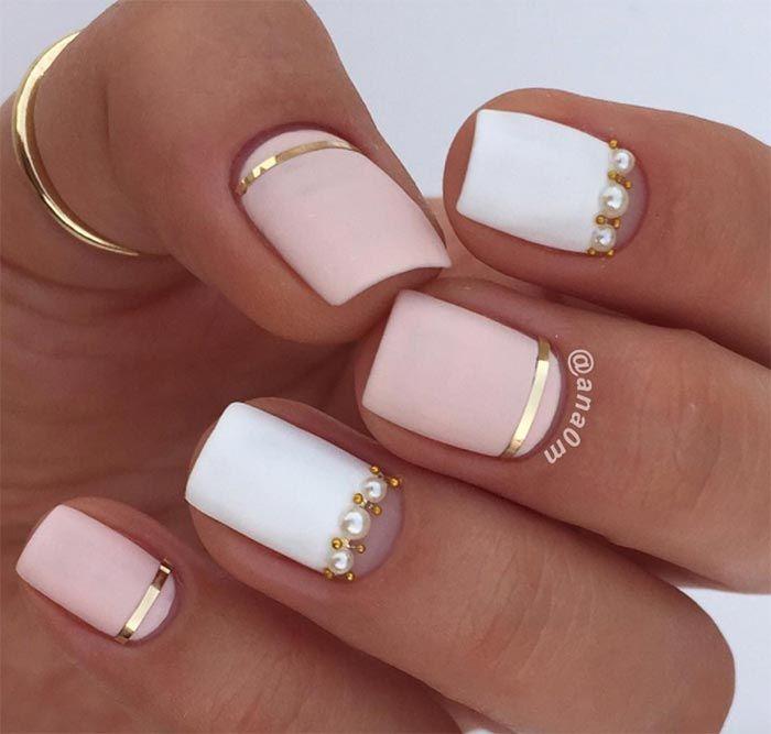 Квадратные ногти с четкими углами нежного цвета