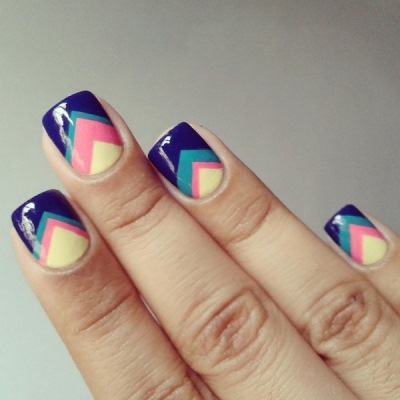 Ногти квадратной формы яркого цвета фото