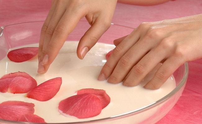 Уход за кожей рук в домашний условиях молоком