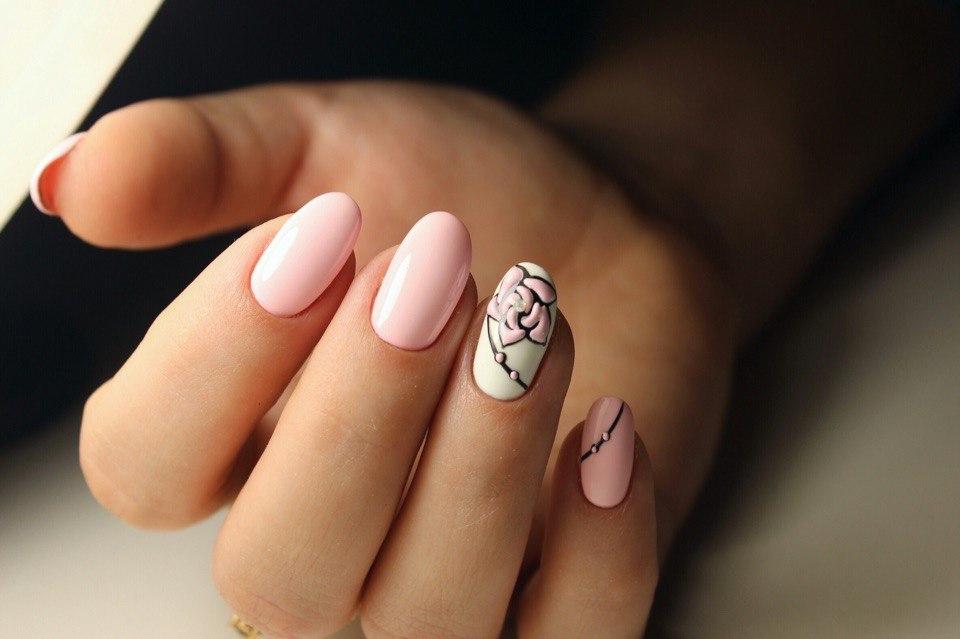 Фото ногтей миндальной формы покрытых гель-лаком
