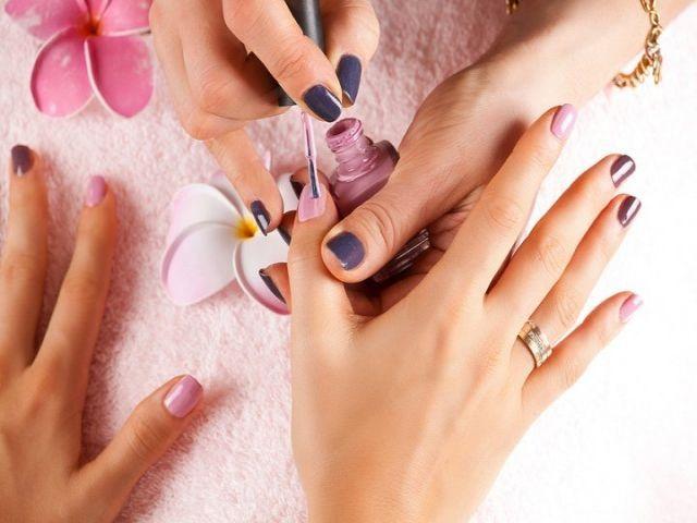 Обучение онлайн, как правильно покрыть гель-лаком ногти профессионально