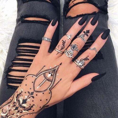 Красивые фото черных матовых ногтей