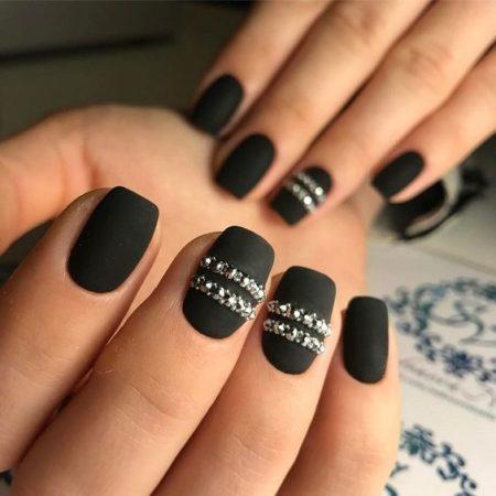 Черный дизайн ногтей матовый красивый