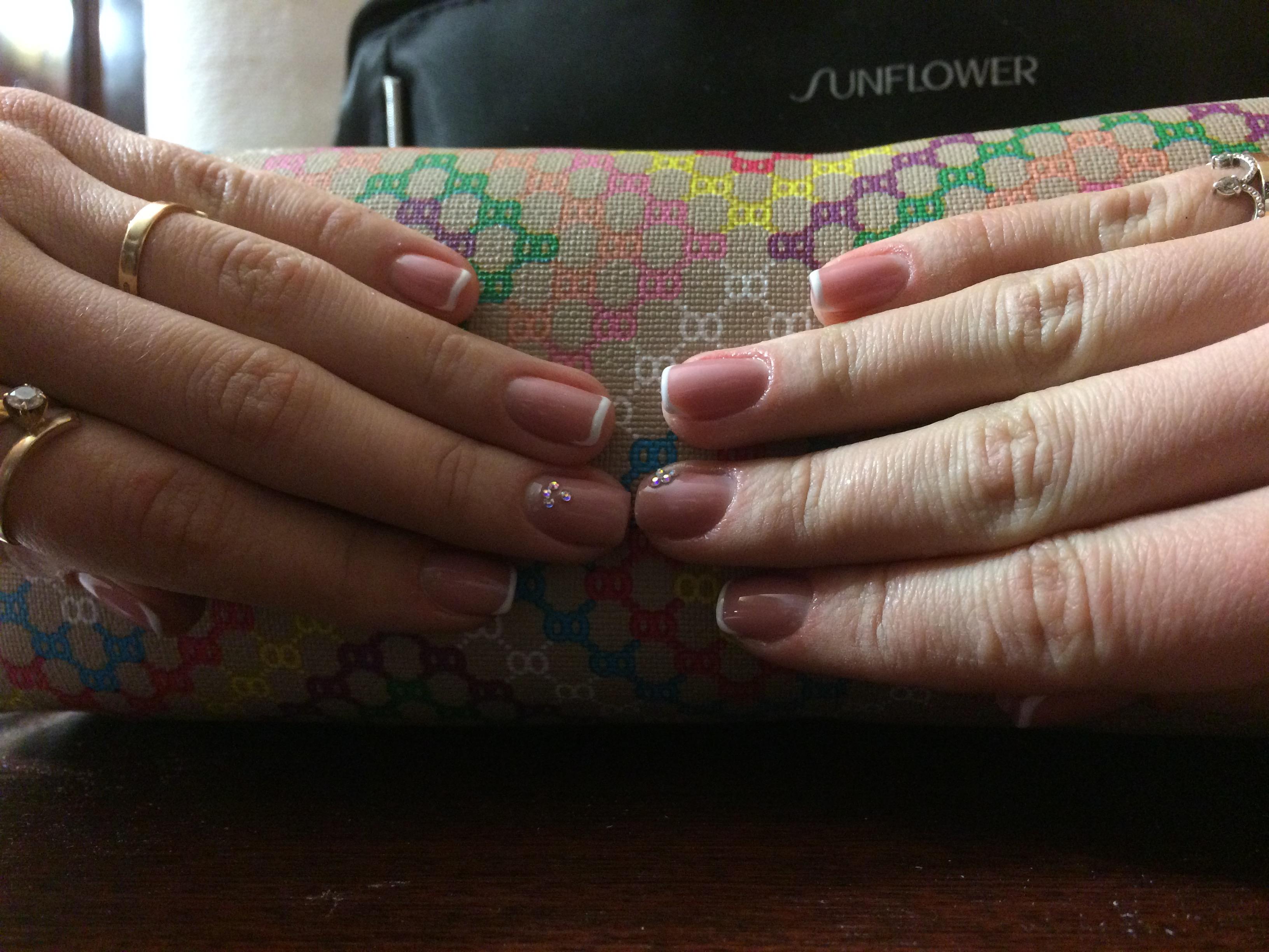 Готовая корркция ногтей гелем самой себе фото обеих рук