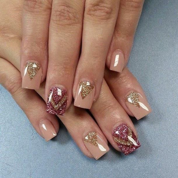 Глиттерный гель на нарощенных коротких ногтях фото