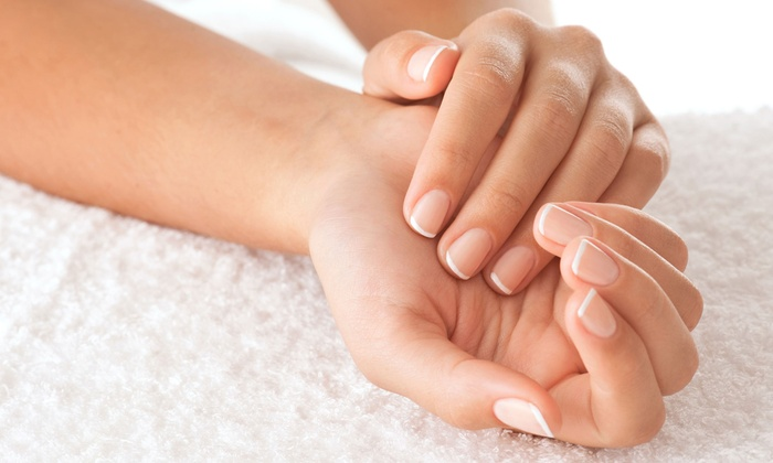 Белый френч на натуральных ногтях гель лаком фото