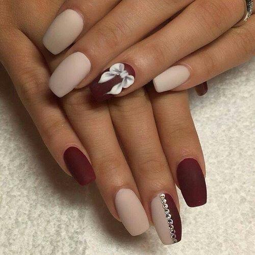 Матовые ногти фото нарощенные бежево-бордовые