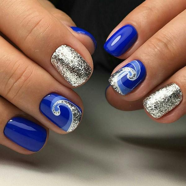 Покрытие ногтей серебристым глиттерным гелем фото