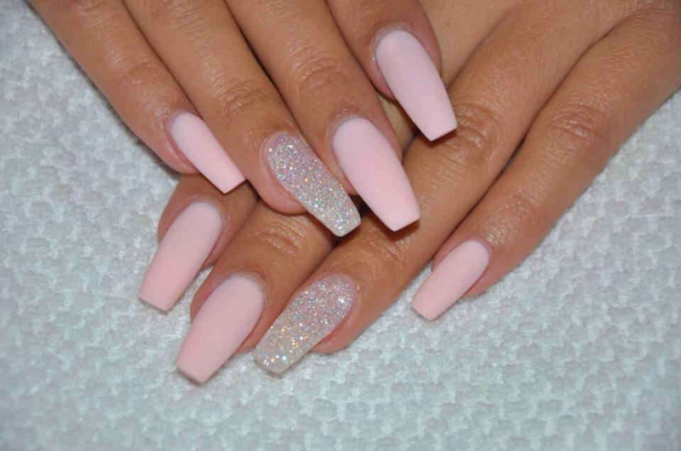 Матовые длинные ногти нежно розового цвета балерина фото