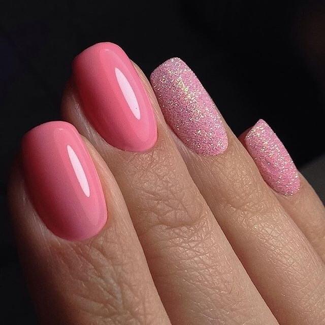 Ногти розовый с серебристым 11