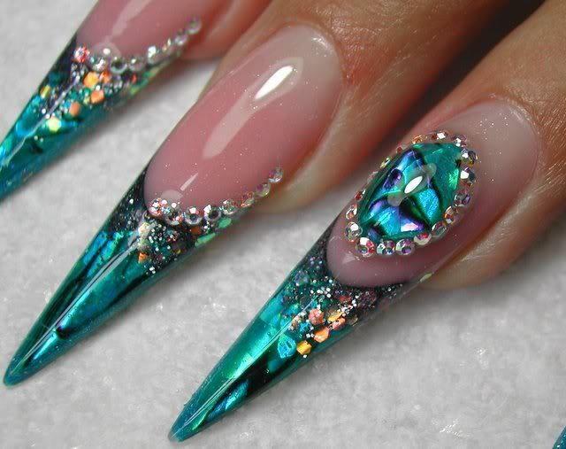 Нарощенные ногти длинные с жидким камнем фото