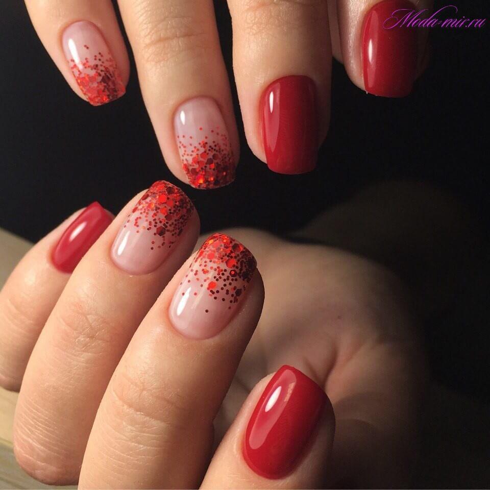 красные ногти короткой длинны